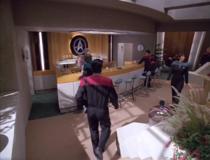 Votre bar préféré dans l'univers Star Trek Intheflesh_028