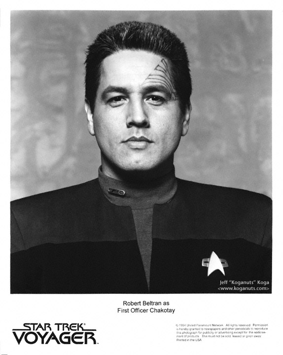 Filename=chakotay_s1c.jpgFilesize=140KiBDimensions=574x720Date added ...: voy.trekcore.com/gallery/thumbnails.php?album=271